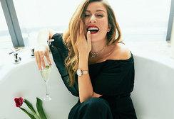 Жанна Бадоева: «Жалко тратить жизнь на то, чтобы сидеть и думать, какая ты толстая, некрасивая и старая»