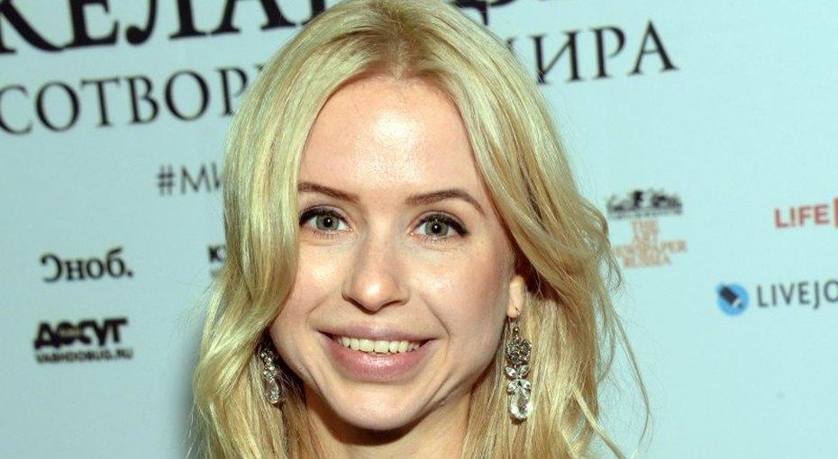 «Где-то тихо плачет Ван Дамм»: Мирослава Карпович показала «котойогу»