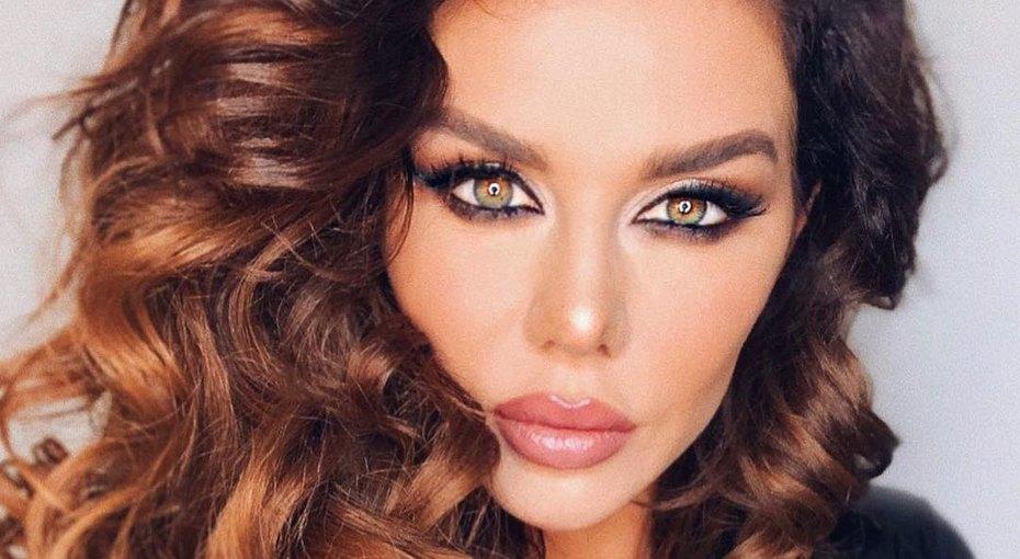 «Красивая несчастная женщина»: Анна Седокова удивила поклонников слишком откровенным фото всоцсетях