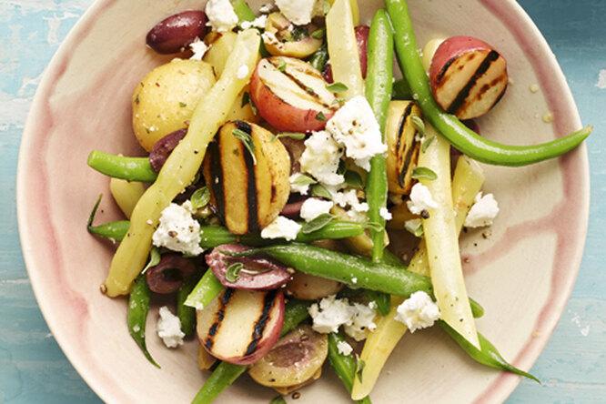 Средиземноморский салат с картофелем-гриль