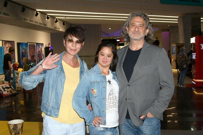 Ирина Хакамада с мужем Владимиром и дочкой