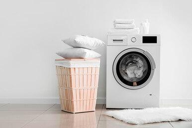 Как часто нужно стирать подушки иодеяла?