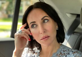 «Сама нежность и женственность»: 52-летняя Алика Смехова позирует в кружевном платье (фото)