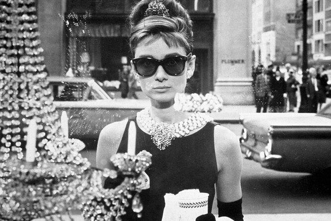 Одри Хепбёрн: «Меня воспитали мама ивойна. Иещё неизвестно, кто строже...»