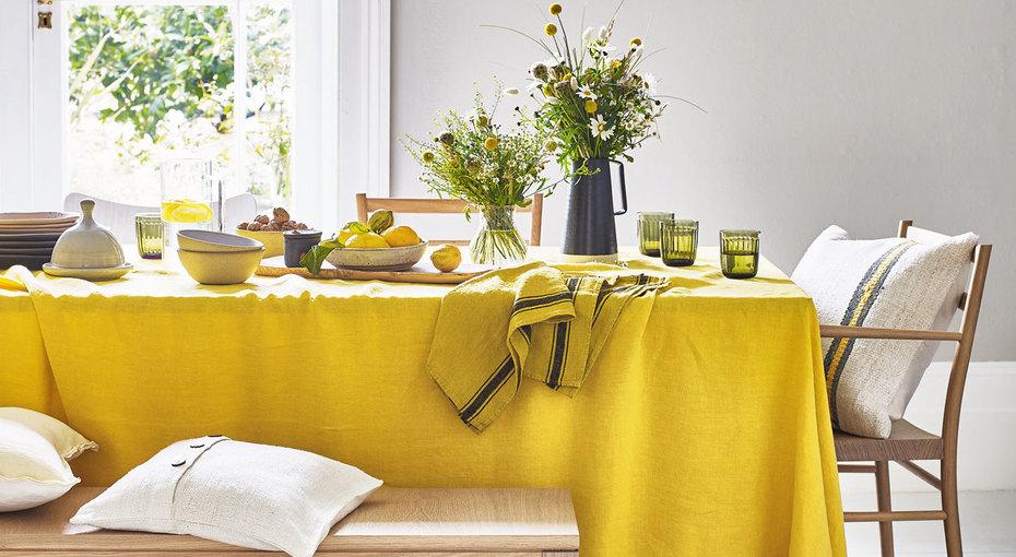 На стороне солнца: желтый цвет винтерьере дома