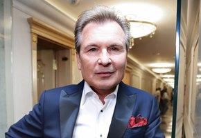 61-летний Александр Малинин отменил концерты из-за проблем со здоровьем