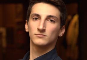 «Егор просто упал». Как врачебная ошибка сломала жизнь семье и как можно помочь