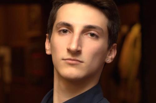 «Егор просто упал». Как врачебная ошибка сломала жизнь семье икак можно помочь