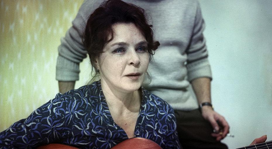 «Такой красавице краситься ненадо»: Иван Ургант показал, как выглядит его 90-летняя бабушка Нина